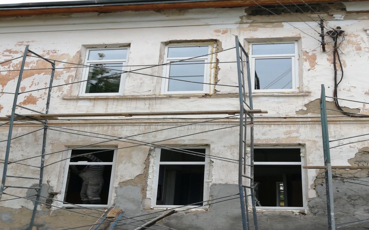 Обновили фасад детсада №1 в Сысерти
