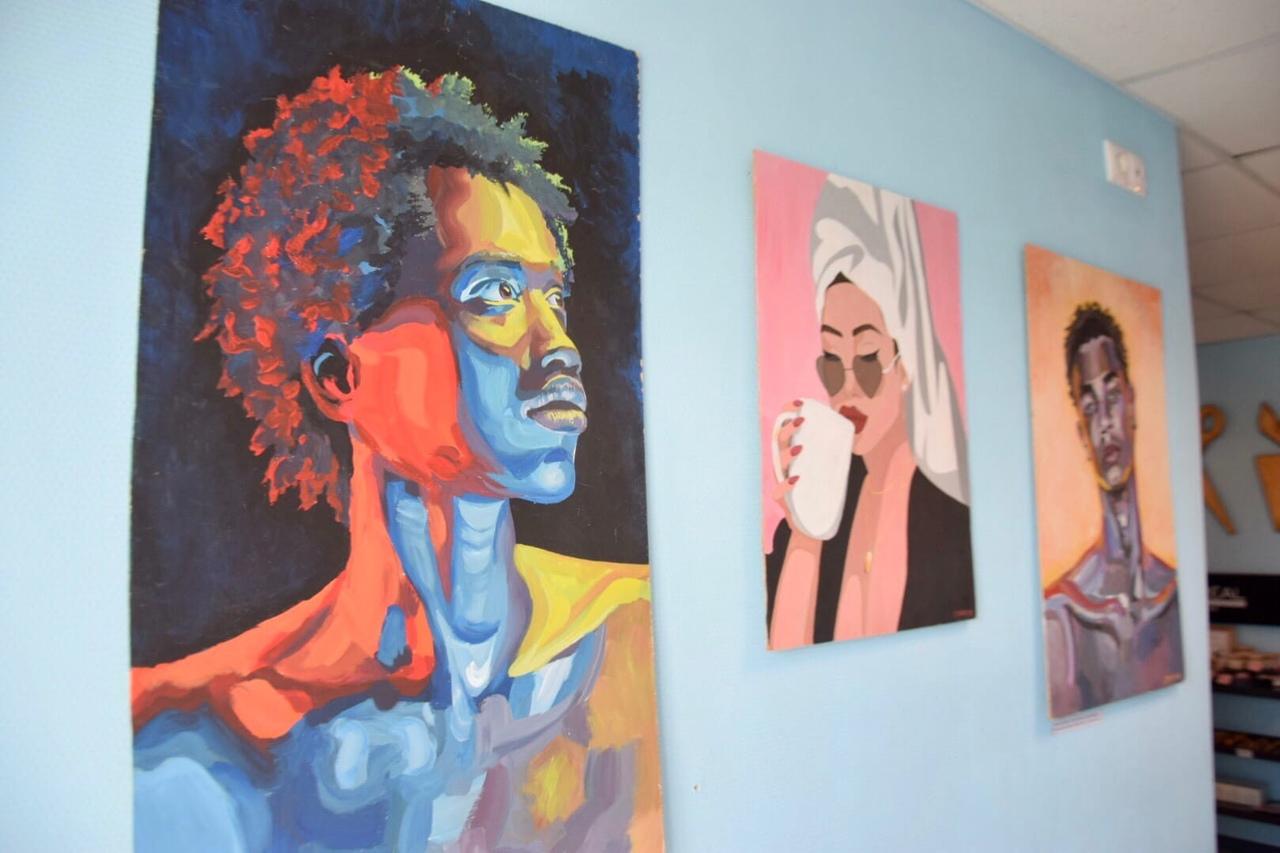 Новая выставка в сысертской кофейне